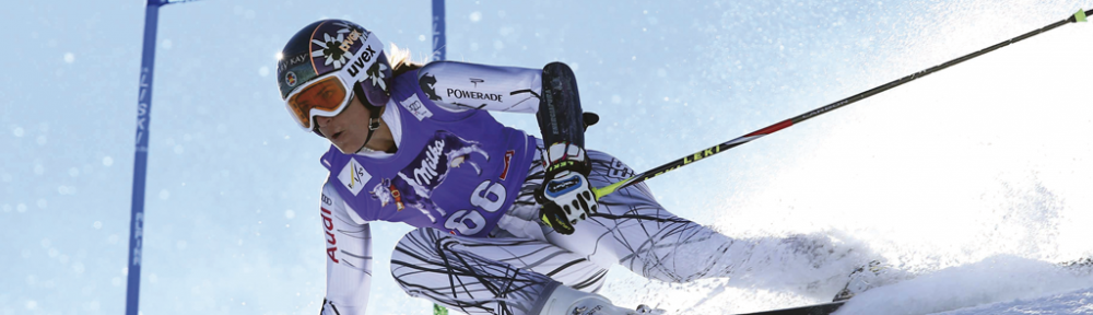 Carolina-Ruiz-skiing-1000x288